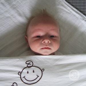 Hoe het bed van je baby veilig en kort opmaken?