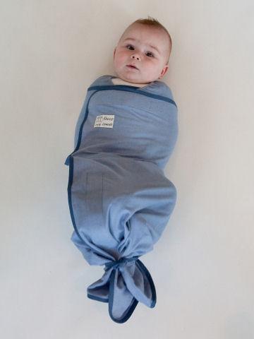 Baby overdag inbakeren of ook 's nachts?